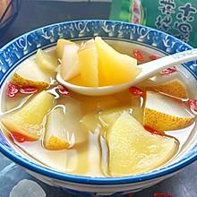 苹果梨加枸杞煲成汤,清爽不油腻,水果味浓郁,最适合干燥秋天喝