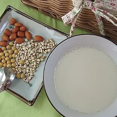 黄豆花生薏米浆