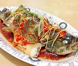 剁椒蒸鲈鱼的做法