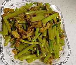 芹菜肉丝的做法