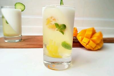 蜂蜜柠檬果冻佐芒果酸奶——独家首创