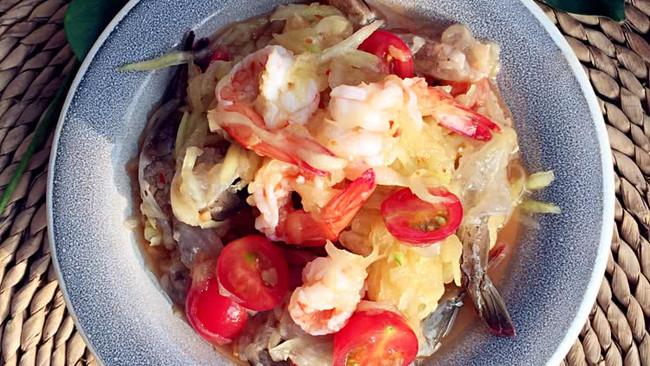 鲜虾青芒果沙拉的做法