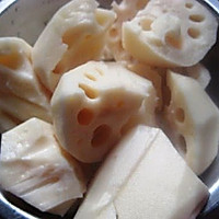 排骨莲藕汤 的做法图解2