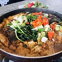 彩椒鲜香鱼头炖豆腐