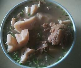 藕筒子骨汤的做法