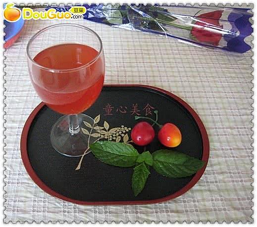 草莓酿红酒的做法