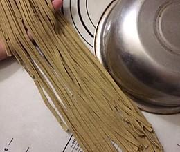 70%黑苦荞麦面条(压面机 魔芋精粉 谷朊粉)的做法