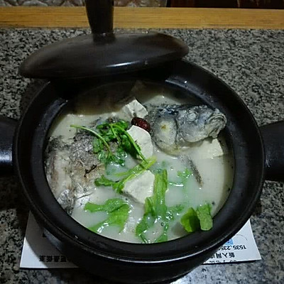香浓砂锅鲫鱼豆腐汤
