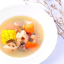 胡萝卜莲藕排骨汤  宝宝辅食,鲜甜营养好搭档
