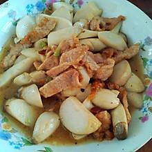豆瓣酱鸡腿菇炒肉