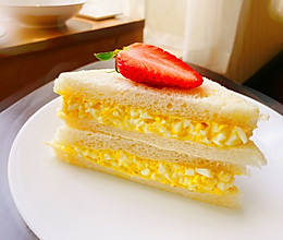 日式鸡蛋三明治-快手早餐的做法