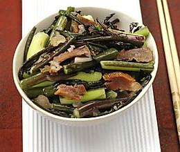 腊肉菜苔的做法
