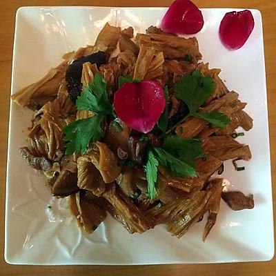 腐竹香菇焖五花肉