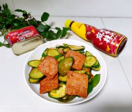 #豪吉川香美味#午餐肉炒黄瓜的做法