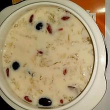 海椰皇牛奶燕窝炖花胶