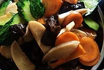 杏鲍菇木耳黄瓜胡萝卜的做法