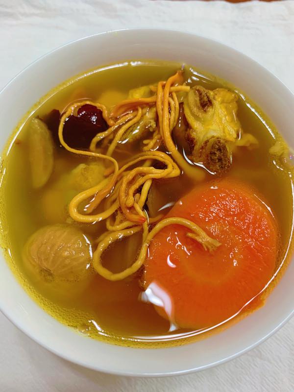 虫草花无花果胡萝卜汤的做法