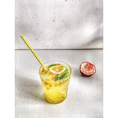 百香果柠檬苏打水
