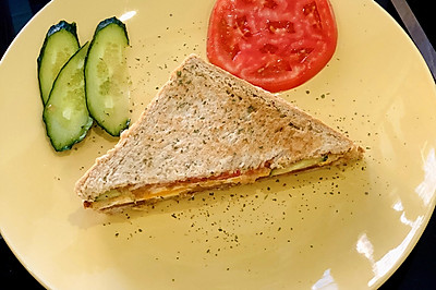 健康美味的全麦三明治