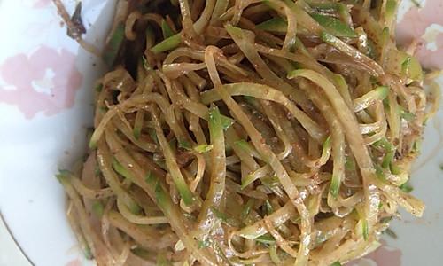 虾酱萝卜丝的做法