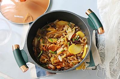 【猪肉白菜炖粉条】天寒手脚凉,全家都爱这道菜,暖身暖胃