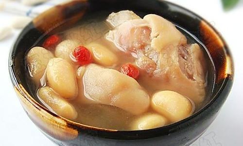 冬季暖胃又美容的汤——芸豆猪手汤  的做法