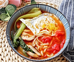 #我要上首焦#快手番茄酸汤面的做法