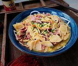 下饭家常菜‼️竹笋炒腊肉的做法