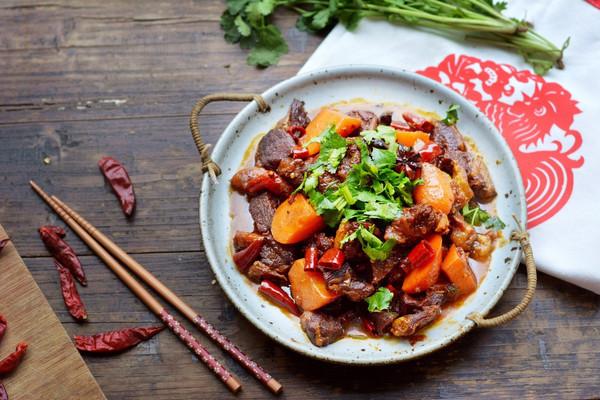 咱家年夜饭~胡萝卜炖羊肉的做法