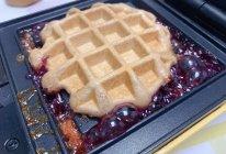 #少盐饮食 轻松生活#自制健康早餐草莓果酱巧克力华夫饼的做法