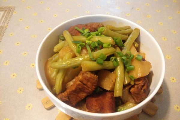 大喜大牛肉粉试用之土豆四季豆烧排骨的做法