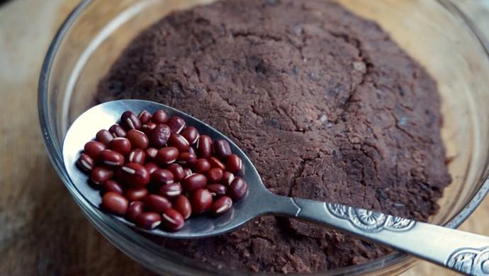 深入讨论如何制作好吃的红豆沙馅 用于糯米糍 豆沙包