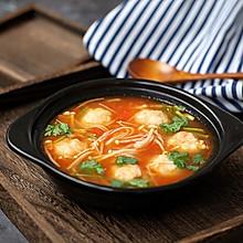 金针菇番茄丸子汤#秋天怎么吃#