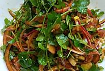 洋葱拌香菜的做法