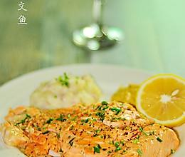 柠香煎三文鱼的做法