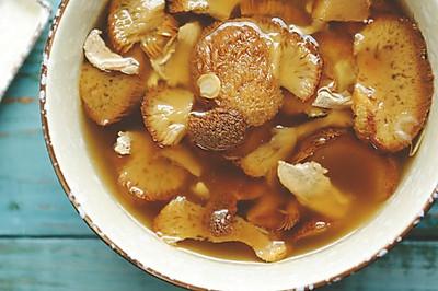 承包了中餐厅的猴头菇,今天就拿它来炖碗靓汤吧