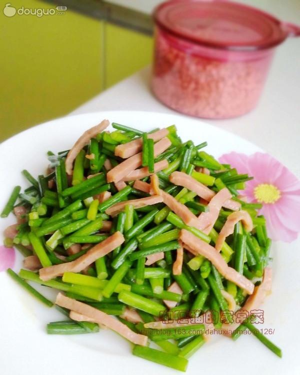韭菜薹炒肉丝的做法