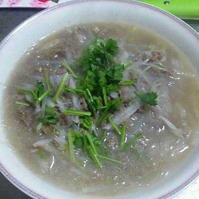 牛肉丸子萝卜丝粉丝汤