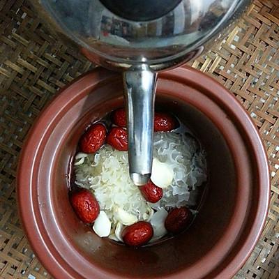 美丽尤物--银耳红枣羹的做法 步骤9