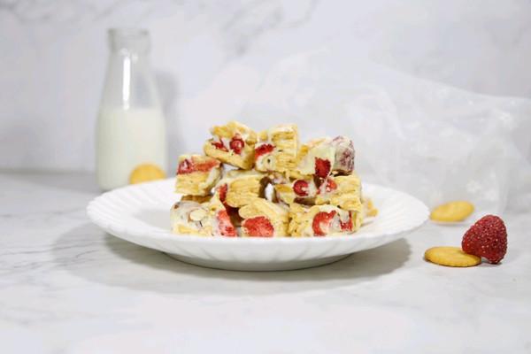 草莓雪花酥的做法