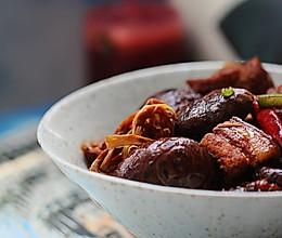 黄花菜烧五花肉的做法