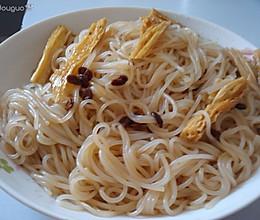 腐竹炒米粉的做法