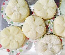 椰丝榴莲冰皮月饼的做法
