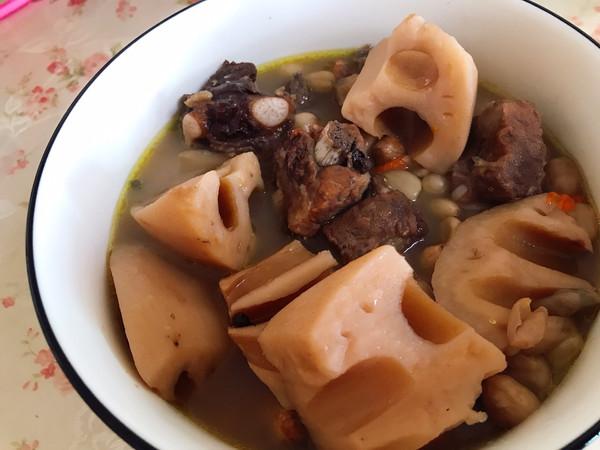 【养生】排骨莲藕花生汤的做法