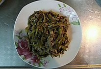 鹏仔酸黄瓜炒肉丝(俄式小乳瓜)的做法