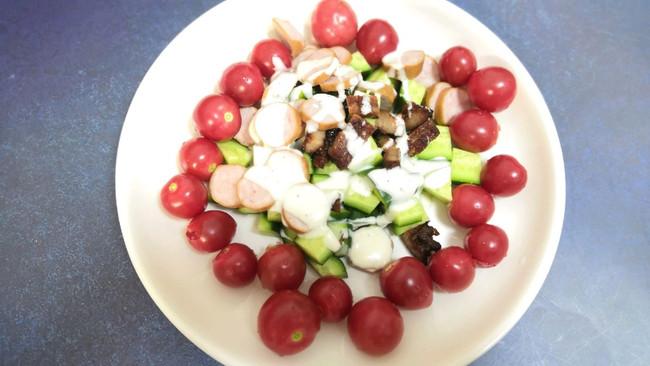 #做道懒人菜,轻松享假期#水果牛肉沙拉的做法