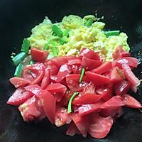 #就是红烧吃不腻!#薄荷叶番茄炒鸡蛋的做法图解4