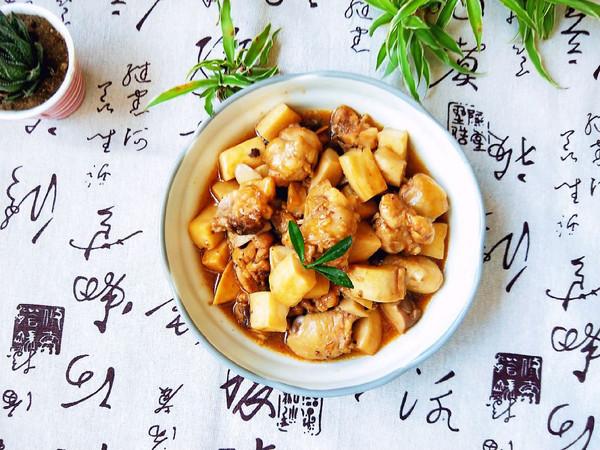 鸡腿炒蚝油菇的做法