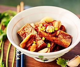蒜香闷油炸豆腐的做法