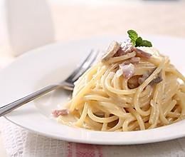 奶油蘑菇意大利面—捷赛私房菜的做法